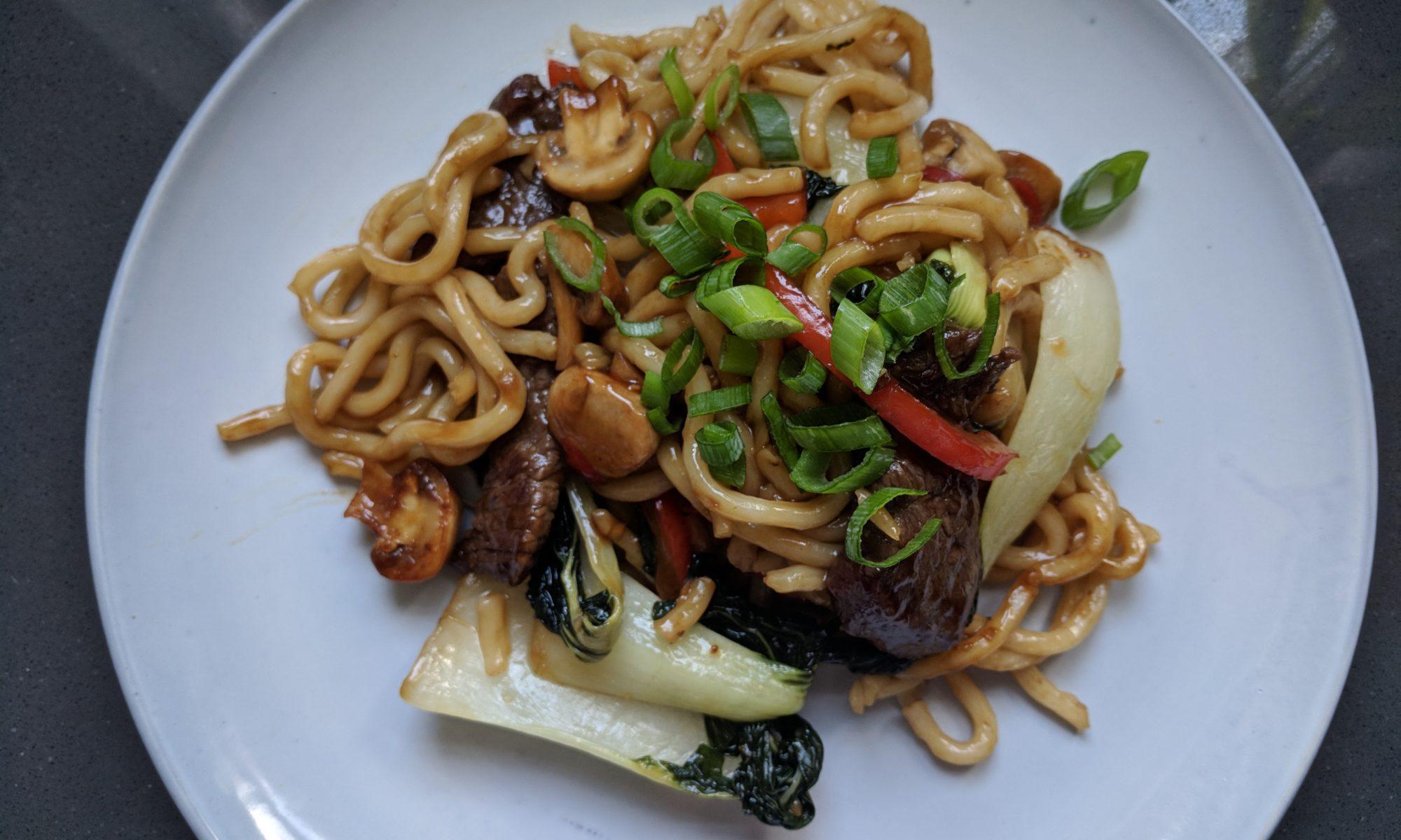 Beef teriyaki rundvlees met Japanse udon noedels noodles