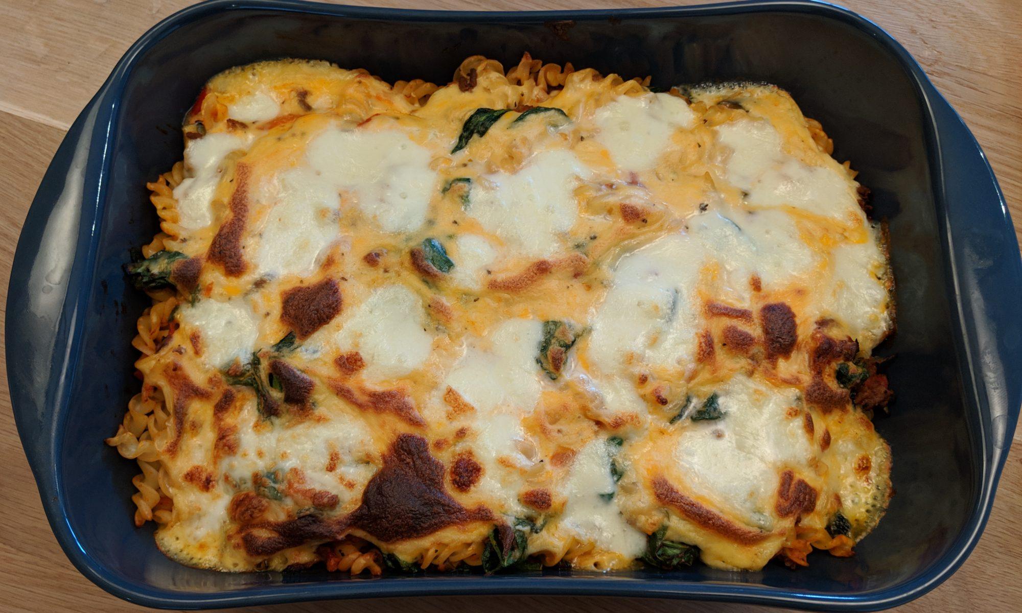 Ovenpasta met spinazie en mozzarella en bechamel